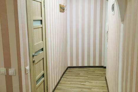 Сдается 2-комнатная квартира посуточно, улица Лермонтова, 48.