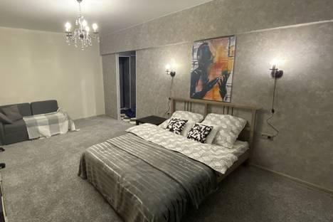 Сдается 1-комнатная квартира посуточно в Москве, улица Антонова-Овсеенко, 2с1.