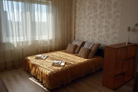 Сдается 1-комнатная квартира посуточно в Челябинске, улица Братьев Кашириных, 85Б.