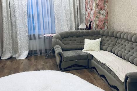 Сдается 3-комнатная квартира посуточно в Ноябрьске, Магистральная улица, 87.