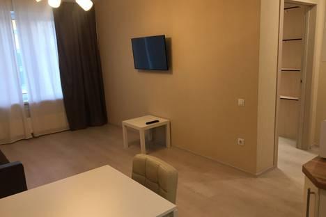 Сдается 2-комнатная квартира посуточно в Тюмени, улица 50 лет Октября, 57В.