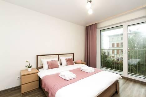 Сдается 2-комнатная квартира посуточно, улица Сакко и Ванцетти, 25.