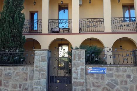 Сдается коттедж посуточно в Судаке, квартал Платановый дом 16.