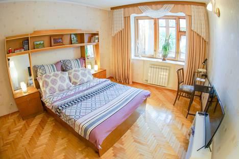 Сдается 2-комнатная квартира посуточно в Йошкар-Оле, Республика Марий Эл,Ленинский проспект, 53А.