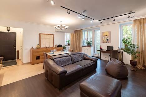 Сдается 2-комнатная квартира посуточно, Измайловский проспект 59.