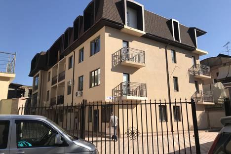 Сдается 1-комнатная квартира посуточно в Адлере, Сочи, улица Станиславского, 37А.