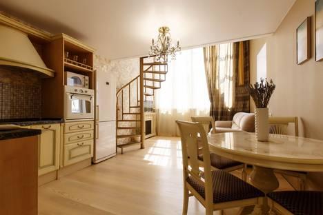 Сдается 2-комнатная квартира посуточно, Байкальская улица, 244/2.