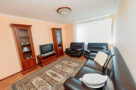 Сдается 2-комнатная квартира посуточно в Иванове, 1-я Полевая улица, 35А.