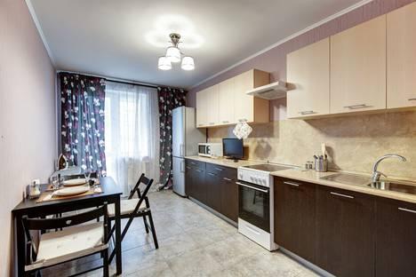 Сдается 2-комнатная квартира посуточно, улица Куйбышева, 21.