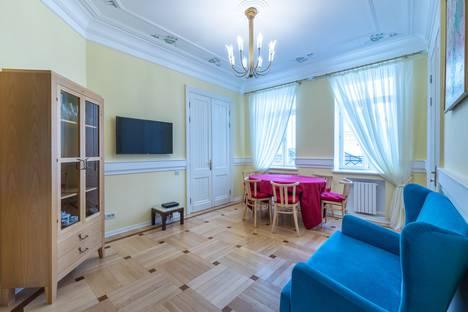 Сдается 4-комнатная квартира посуточно, Богословский переулок, 3.