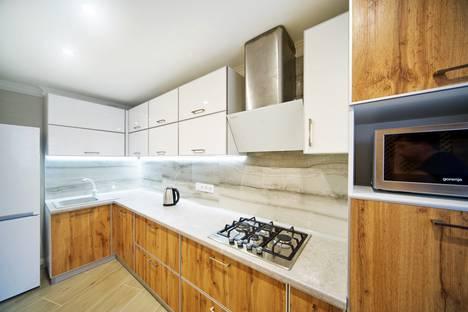 Сдается 3-комнатная квартира посуточно, Севастополь.