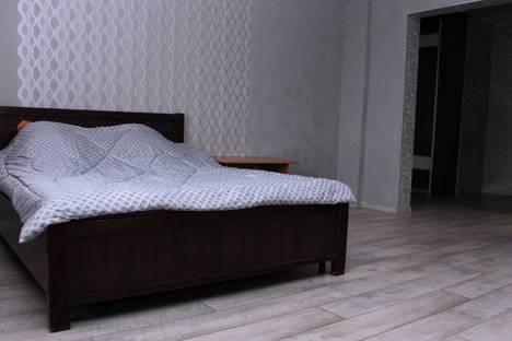 Сдается 2-комнатная квартира посуточно в Абакане, ул. Кирова 120.