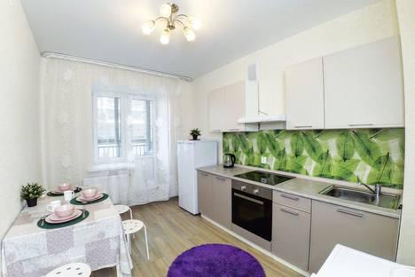 Сдается 2-комнатная квартира посуточно, Родина 33б.