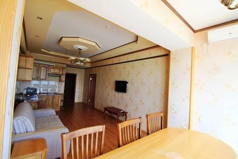 Сдается 2-комнатная квартира посуточно в Алуште, Республика Крым,Набережная улица, 16И.