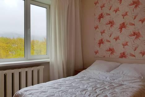 Сдается 2-комнатная квартира посуточно, Сахалинская область,улица Есенина, 42.