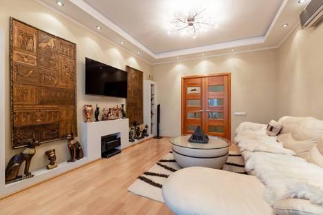 Сдается 3-комнатная квартира посуточно в Красноярске, улица 9 Мая, 19А.