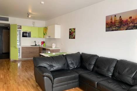 Сдается 2-комнатная квартира посуточно в Екатеринбурге, улица Белинского, 108.