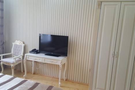 Сдается 1-комнатная квартира посуточно в Баку, Нефтянников 111.