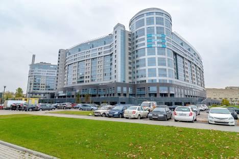 Сдается 2-комнатная квартира посуточно, Свердловская набережная, 58.