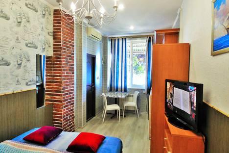 Сдается 1-комнатная квартира посуточно в Ялте, улица Дражинского, 7.