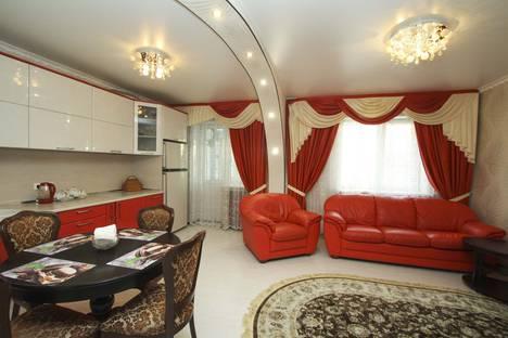 Сдается 3-комнатная квартира посуточно, Ханты-Мансийский автономный округ,улица Маяковского, 11.