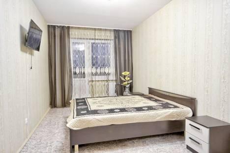 Сдается 2-комнатная квартира посуточно, ул Александра Корсунова 55.