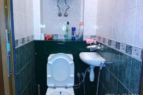 Сдается 2-комнатная квартира посуточно в Баку, улица Фикрета Амирова 10 кв.26.