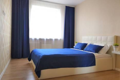 Сдается 2-комнатная квартира посуточно, улица Годовикова, 6, подъезд 1.
