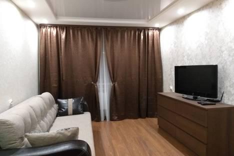 Сдается 2-комнатная квартира посуточно в Нижнем Тагиле, улица Октябрьской революции 36.