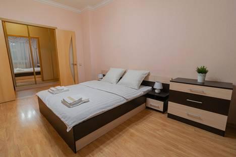 Сдается 2-комнатная квартира посуточно в Мурманске, улица Володарского, 10.