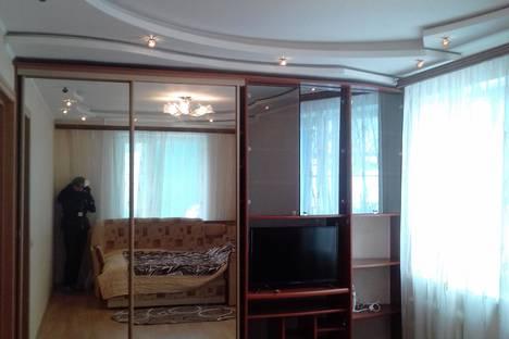 Сдается 1-комнатная квартира посуточно, проспект Рыбаков, 13/1.