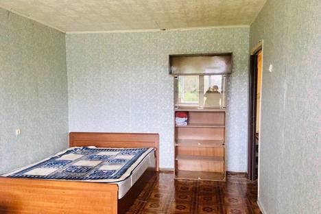 Сдается 1-комнатная квартира посуточно в Переславле-Залесском, Школьный переулок, 2.