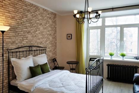 Сдается 2-комнатная квартира посуточно, улица Володарского, 50.