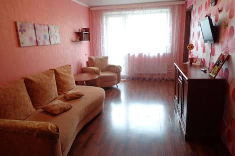 Сдается 2-комнатная квартира посуточно в Междуреченске, Весенняя улица, 26.