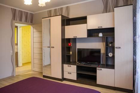 Сдается 2-комнатная квартира посуточно, Советская улица, 103.