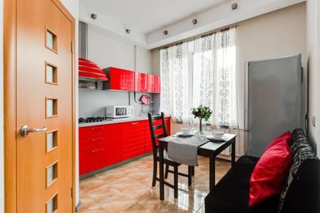 Сдается 2-комнатная квартира посуточно в Москве, Библиотечная улица, 15/8.