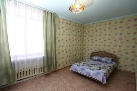 Сдается 3-комнатная квартира посуточно, улица Григорченкова, 33.