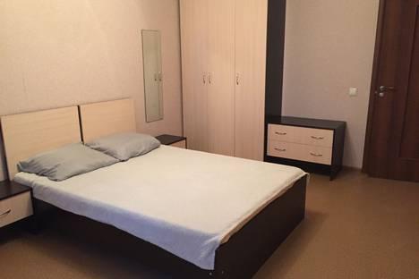 Сдается 2-комнатная квартира посуточно, Набережночелнинский проспект, 49.