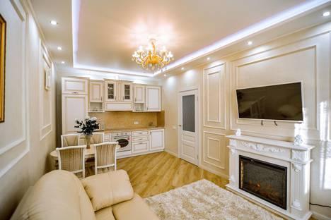 Сдается 2-комнатная квартира посуточно, улица имени Космонавта Поповича, 22.
