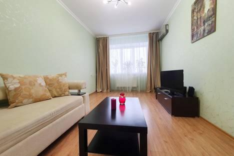 Сдается 1-комнатная квартира посуточно в Белгороде, Парковая улица, 5.