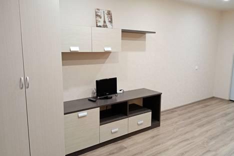 Сдается 1-комнатная квартира посуточно в Кирове, Луговой переулок, 3.