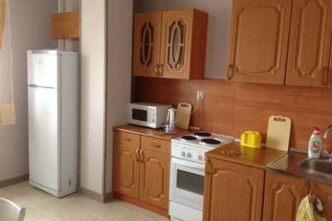 Сдается 3-комнатная квартира посуточно в Великом Новгороде, улица Ломоносова, 37.