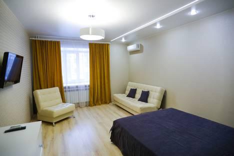 Сдается 1-комнатная квартира посуточно, проспект Дружбы Народов, 49.