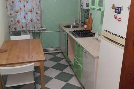 Сдается 1-комнатная квартира посуточно в Ростове-на-Дону, улица 20-я Линия, 76/88.