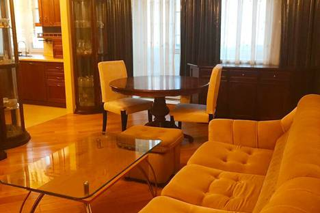 Сдается 3-комнатная квартира посуточно, Кутузовский проспект, 35к2.