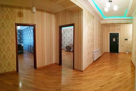 Сдается 3-комнатная квартира посуточно в Баку, 1.