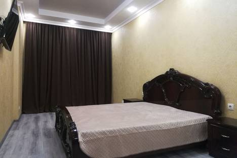 Сдается 1-комнатная квартира посуточно в Сычавке, Одесса, улица Академика Сахарова, 3А.
