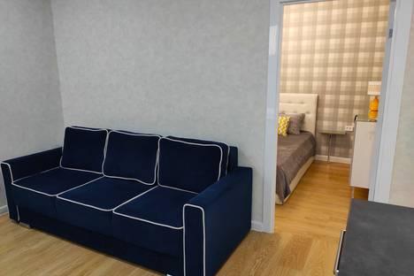 Сдается 1-комнатная квартира посуточно в Челябинске, улица Героя России А.В. Яковлева, 7.