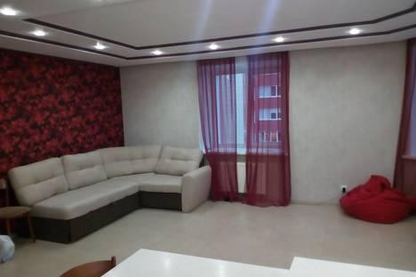 Сдается 3-комнатная квартира посуточно в Ижевске, 7-я Подлесная улица, 100к2.