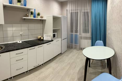 Сдается 1-комнатная квартира посуточно в Набережных Челнах, улица Академика Королева, 37В.